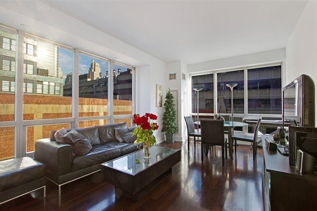 350 West 42nd Street, Unit 6K Image #1