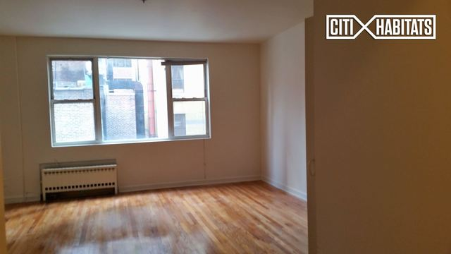 255 West 55th Street, Unit 5D Image #1