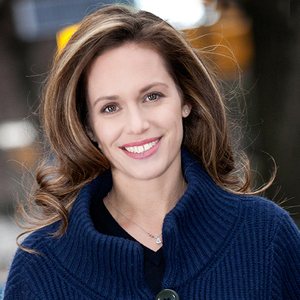 Kirsten Jordan,                       Agent in NYC - Compass