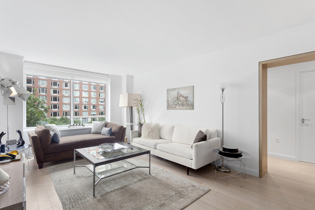 212 Warren Street, Unit 4R Image #1