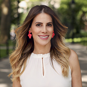 Lindsay Rothman,                     Agent in NYC - Compass