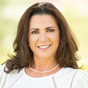 Luz Hall,                       Agent in Houston - Compass