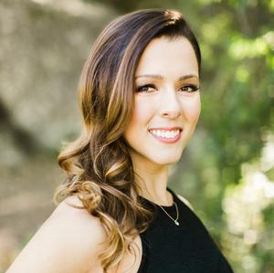 Victoria Davis, Agent in Austin - Compass
