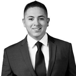 Manny Cazares,                       Agent in Los Angeles - Compass