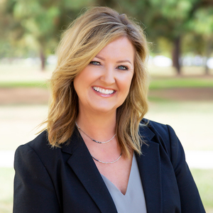 Jennifer Camp, Agent in Los Angeles - Compass