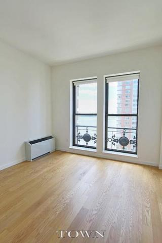 1 West Street, Unit 2442 Image #1