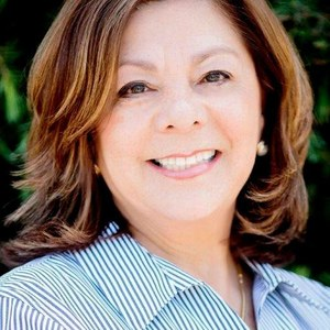 Rose Camarena,                     Agent in San Francisco - Compass