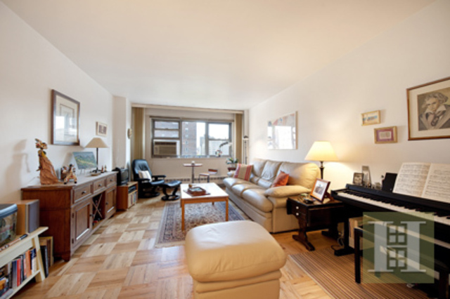 215 Adams Street, Unit 11H Image #1