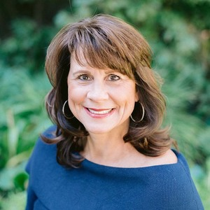 Michele Downing, Agent in Los Angeles & Orange County - Compass