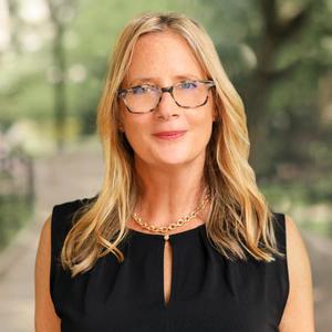 Headshot of Shari Sperling