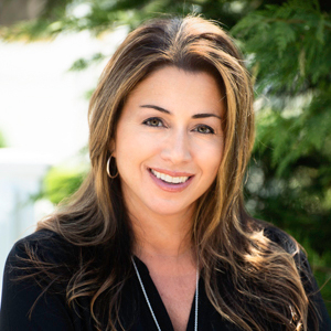 Cynthia Beck, Agent in The Hamptons - Compass