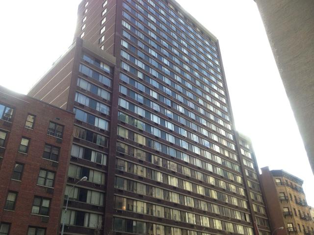 330 West 56th Street, Unit 22D Image #1