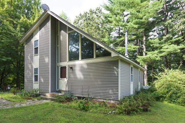 35 Clubhouse Drive Leominster, MA 01453
