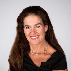 Maura Short,                     Agent in Los Angeles - Compass