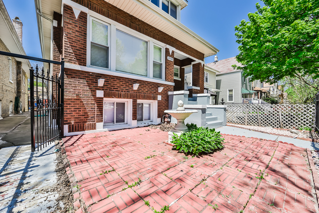 2108 North Tripp Avenue Chicago, IL 60639