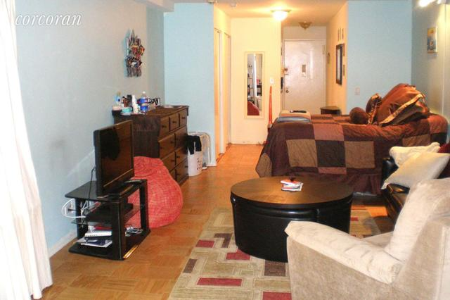 305 East 40th Street, Unit 8T Image #1