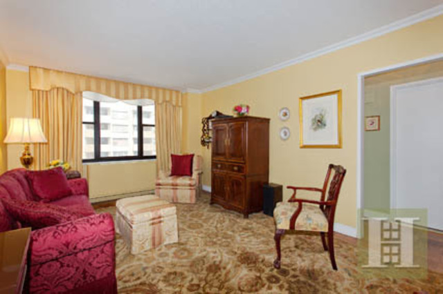 301 East 87th Street, Unit 11C Image #1