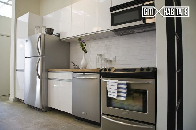 44 Berry Street, Unit 3J Image #1