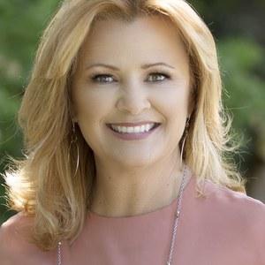 Tonya Colton,                     Agent in San Francisco - Compass