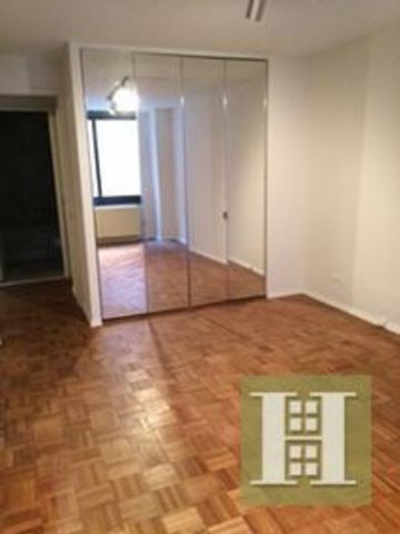 200 Rector Place, Unit 4A Image #1