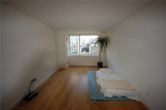 300 North End Avenue, Unit 12C Image #1