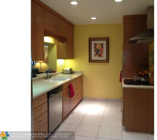 410 Southwest 55th Avenue Image #1