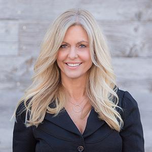 Katie Machoskie,                     Agent in Los Angeles - Compass