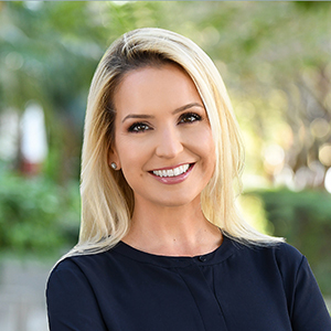 Victoria Carreño,                       Agent in Miami - Compass