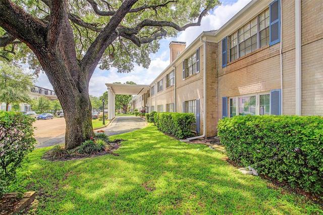 2600 Bellefontaine, Unit B10 Houston, TX 77025
