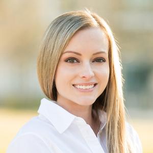 Lauren Harris,                       Agent in Houston - Compass
