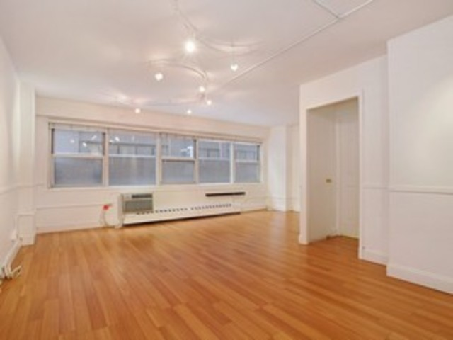 153 East 57th Street, Unit 3A Image #1