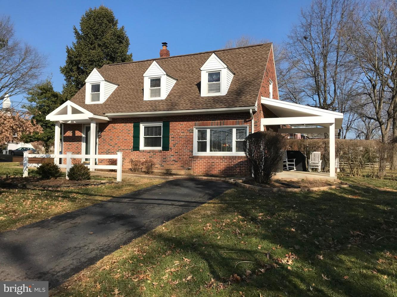 563 Duell Street Huntingdon Valley, PA 19006