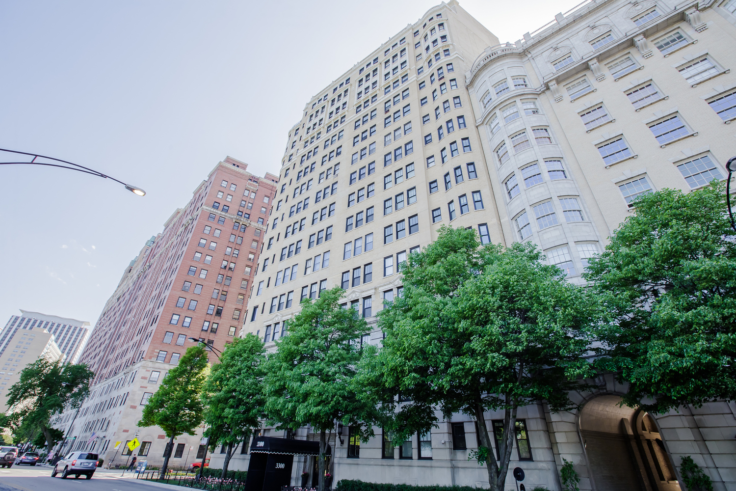 3300 North Lake Shore Drive, Unit 4E Chicago, IL 60657