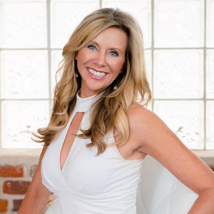 Lori Abbey, Agent in Denver & Boulder - Compass