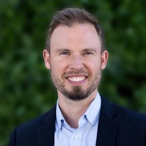 Henrik Thorenfeldt,                     Agent in San Francisco - Compass