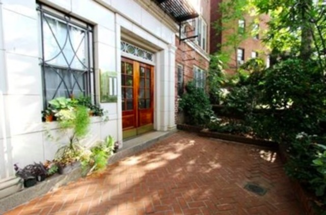25 Minetta Lane, Unit 2E Manhattan, NY 10012