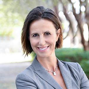 Cristina Cipolletti,                       Agent in Miami - Compass