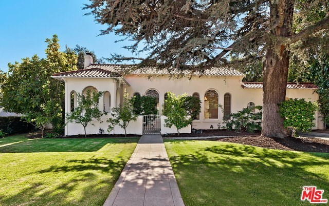 609 North Bedford Drive Beverly Hills, CA 90210
