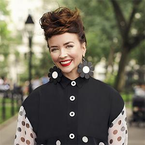 Lara Quiñones,                     Agent in NYC - Compass