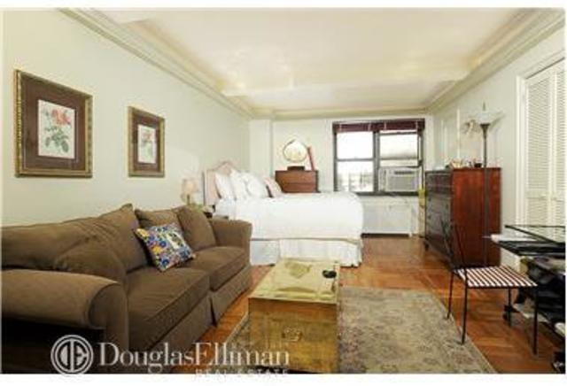 245 East 72nd Street, Unit 2D Image #1