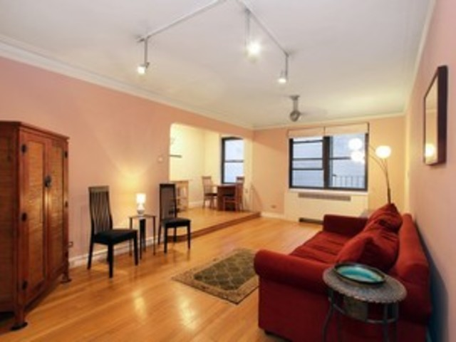 222 East 35th Street, Unit 1C Image #1