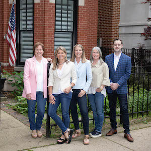 The Joanne Hudson Group,                       Agent in Chicago - Compass