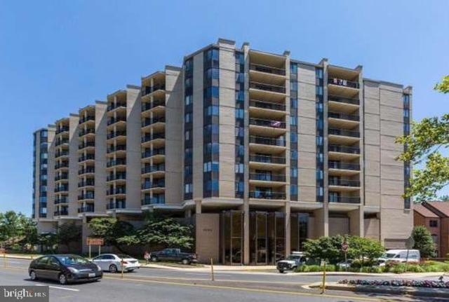 4242 East West Highway, Unit 820 Chevy Chase, MD 20815