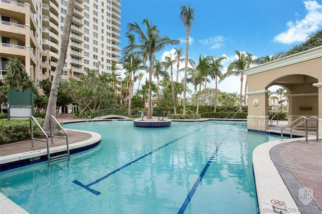 19501 West Country Club Drive, Unit 302 Aventura, FL 33180
