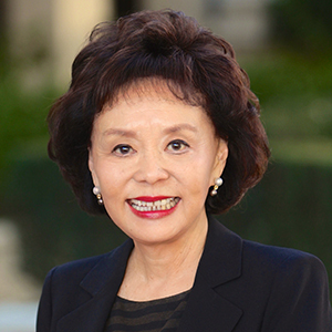 Linda Chang,                   Agent in Los Angeles - Compass