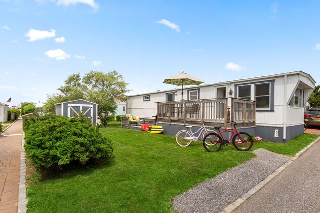 100 Deforest Road, Unit 731 Montauk, NY 11954
