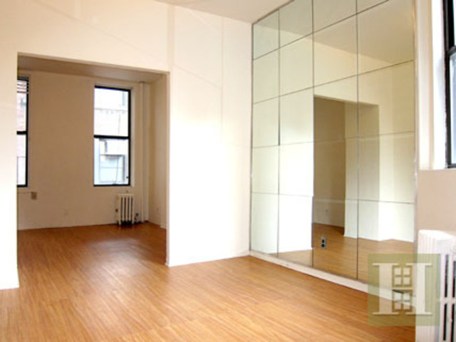 221 West 28th Street Image #1