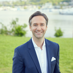 Brad Cahill,                     Agent in Seattle - Compass