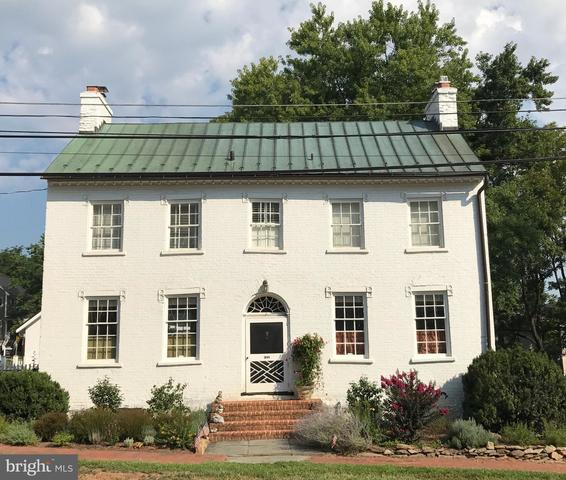 300 East Washington Street Middleburg, VA 20117