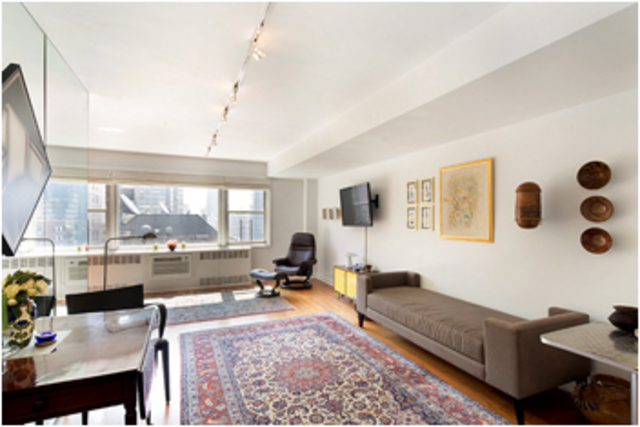 167 East 67th Street, Unit 15D Image #1